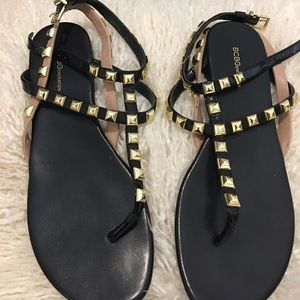 BCBG tan and black sandals